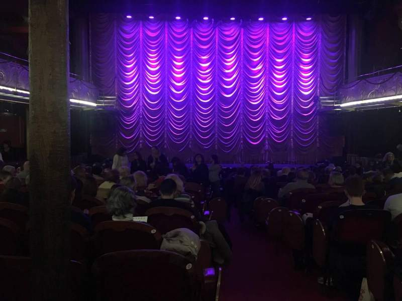Seating view for Folies Bergère Section Orch Row R Seat 1