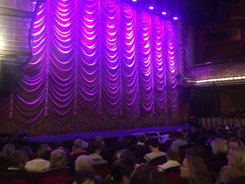 Seating view for Folies Bergère Section Orch Row F Seat 19