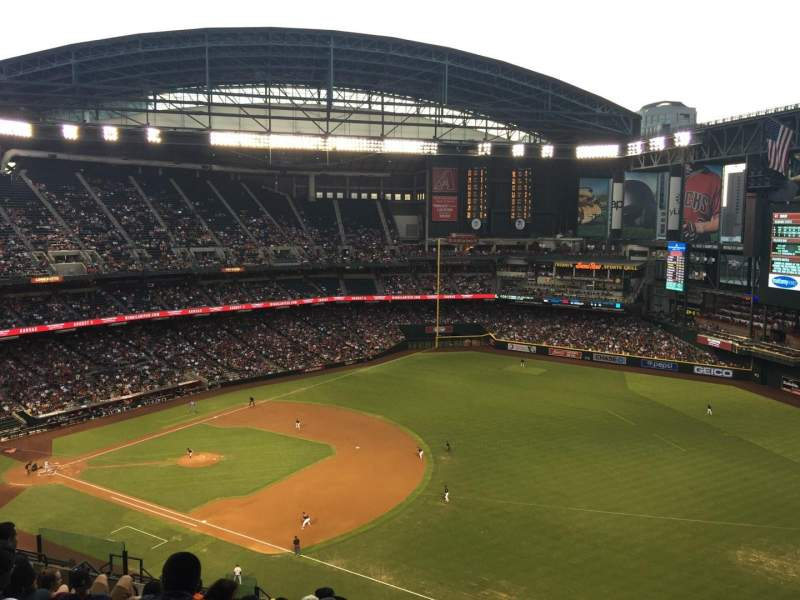 Seating view for Chase Field Section 305 Row 19 Seat 2