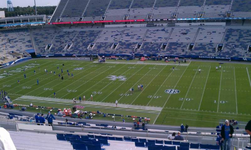 Seating view for Commonwealth Stadium Section 214 Row 28 Seat 15