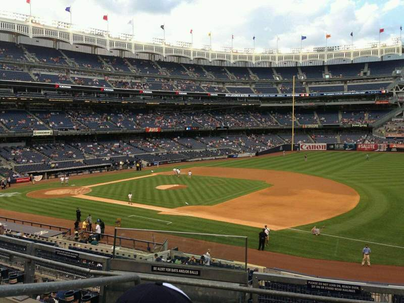 Seating view for Yankee Stadium Section 213 Row 4 Seat 17