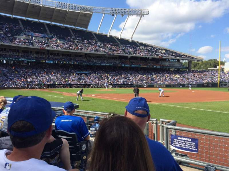 Seating view for Kauffman Stadium Section 140 Row D Seat 3