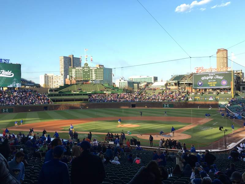 Seating view for Wrigley Field Section 215 Row 6 Seat 14