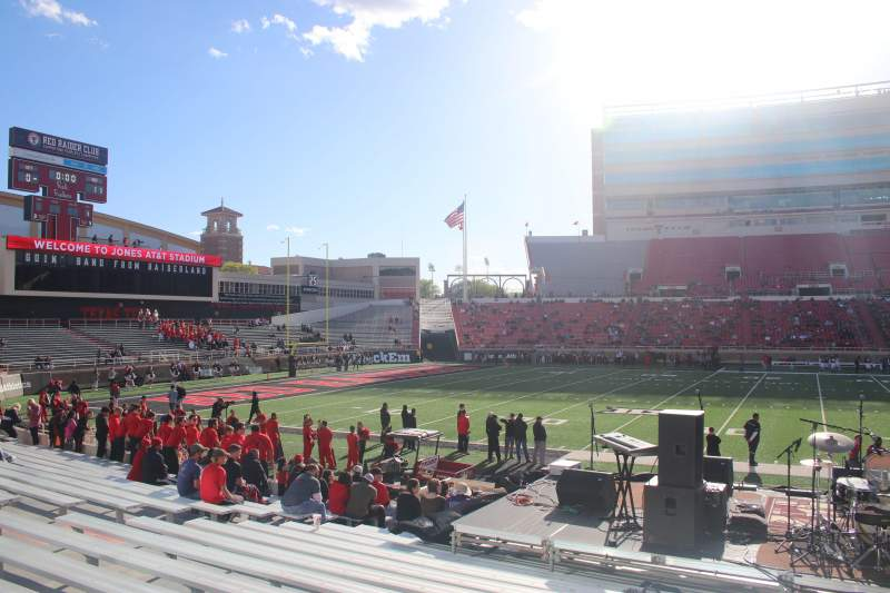 Seating view for Jones AT&T Stadium Section 20 Row 16 Seat 17
