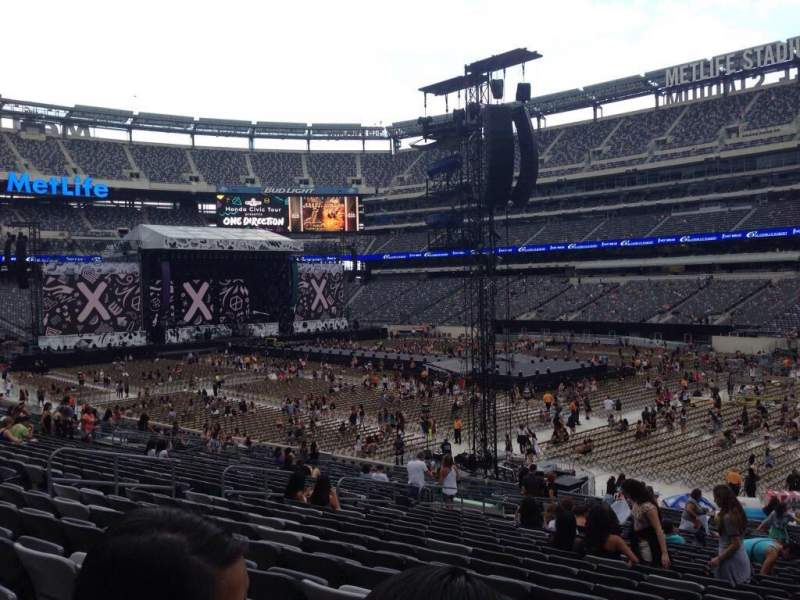 Seating view for MetLife Stadium Section 133 Row 30 Seat 14