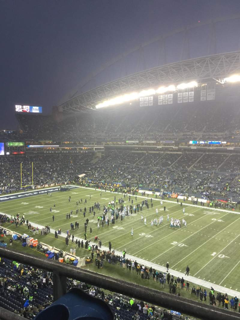 Seating view for CenturyLink Field Section 304 Row A Seat 19