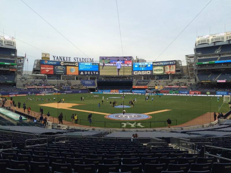 Seating view for Yankee Stadium Section 120b Row 26 Seat 4