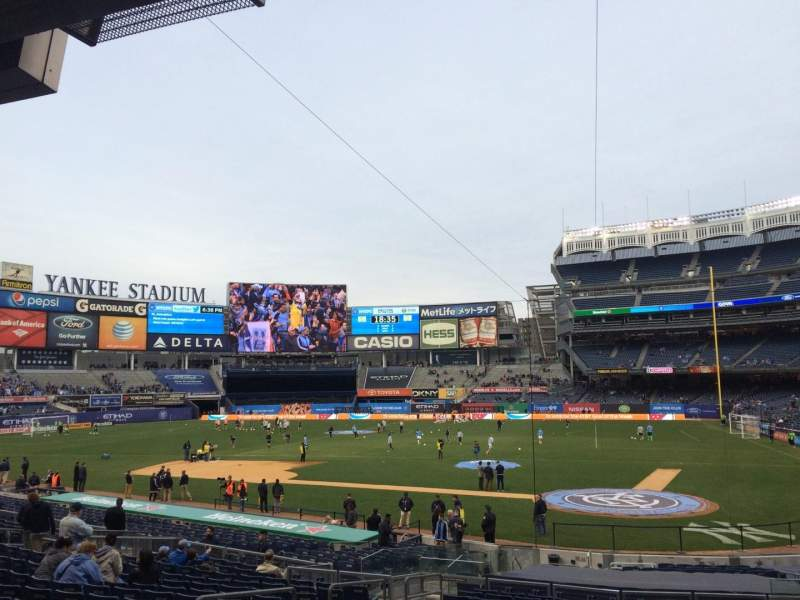 Seating view for Yankee Stadium Section 121b Row 26 Seat 6