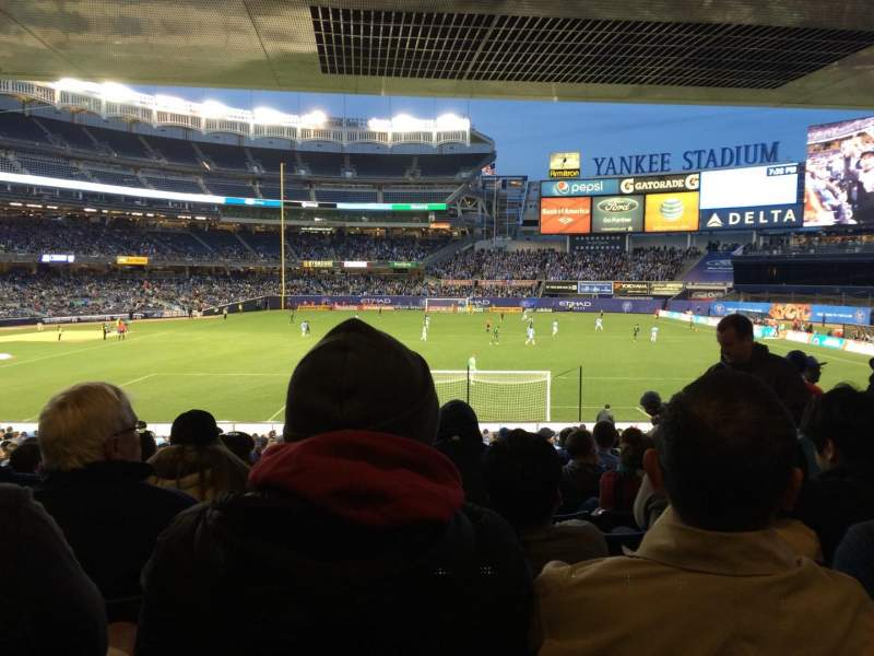 Seating view for Yankee Stadium Section 113 Row 30 Seat 10