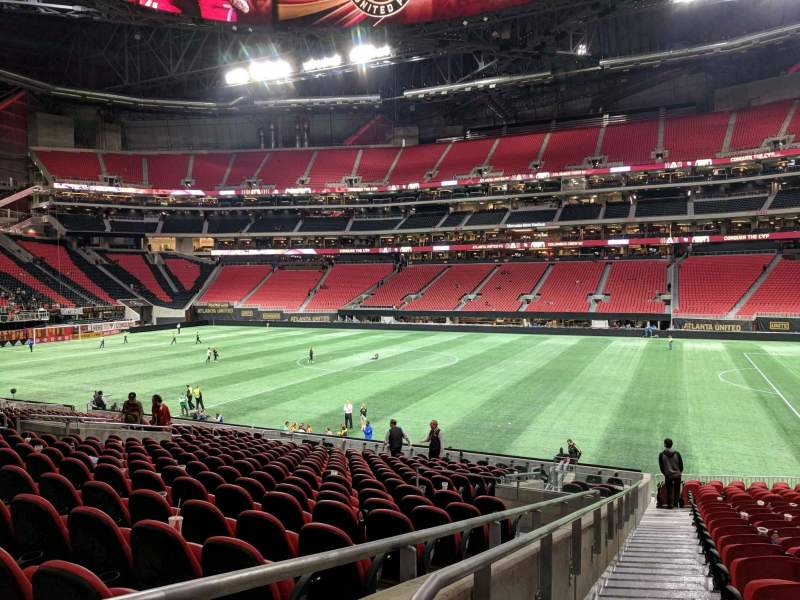 Mercedes benz stadium section 125 home of atlanta for Hotel near mercedes benz stadium atlanta