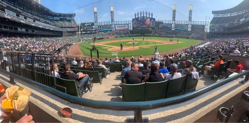 Seating view for Guaranteed Rate Field Section BOX 131 Row 16 Seat 6