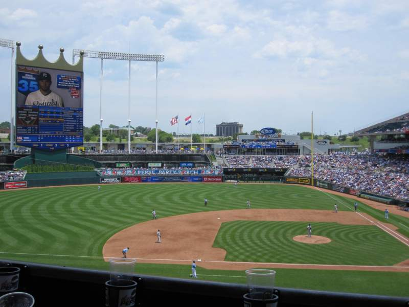 Seating view for Kauffman Stadium Section 307 Row B Seat 9