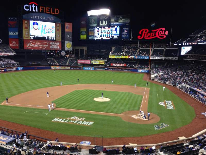 Seating view for Citi Field Section 323 Row 1 Seat 6
