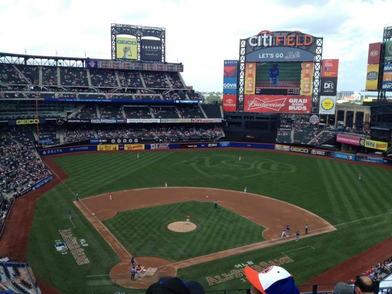 Seating view for Citi Field Section 412 Row 7 Seat 1