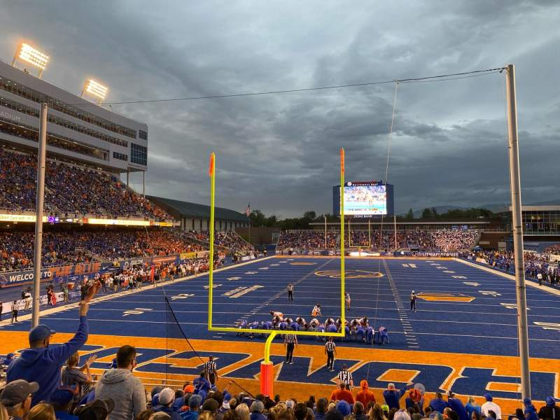 Seating view for Albertsons Stadium Section 33 Row R Seat 9