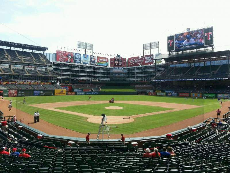 Seating view for Globe Life Park in Arlington Section 26 Row 19 Seat 9
