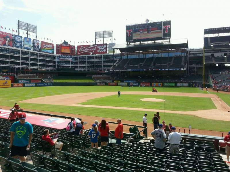 Seating view for Globe Life Park in Arlington Section 21 Row 15 Seat 10