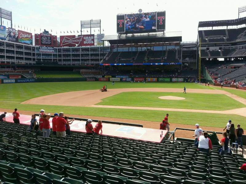 Seating view for Globe Life Park in Arlington Section 20 Row 17 Seat 16