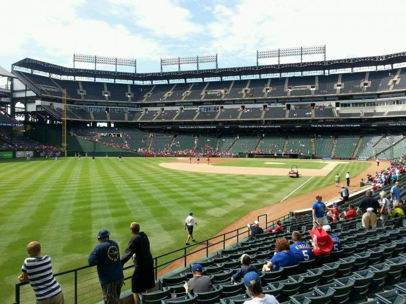 Seating view for Globe Life Park in Arlington Section 10 Row 19 Seat 11