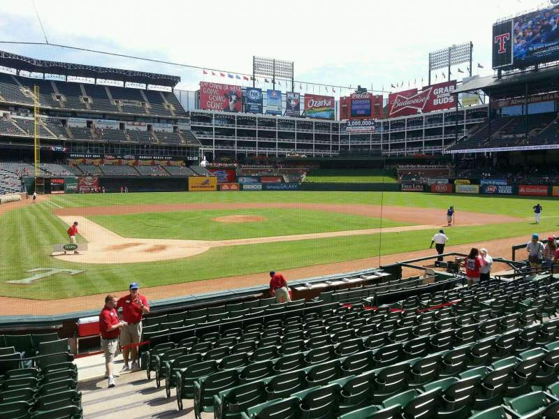 Seating view for Globe Life Park in Arlington Section 29 Row 12 Seat 17