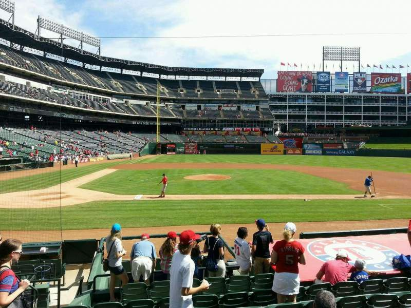 Seating view for Globe Life Park in Arlington Section 32 Row 11 Seat 3