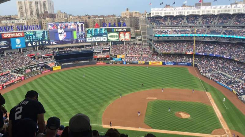 Seating view for Yankee Stadium Section 424 Row 13 Seat 1