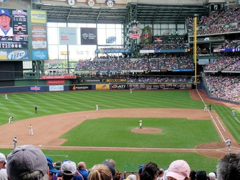 Seating view for Miller Park Section 222 Row 14 Seat 15