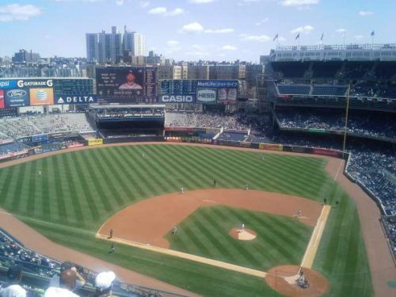 Seating view for Yankee Stadium Section 422 Row 6 Seat 1