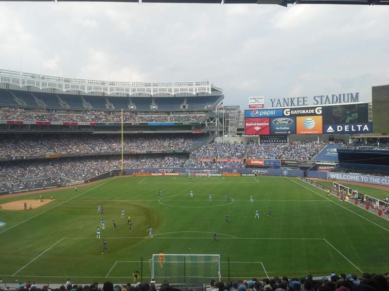 Seating view for Yankee Stadium Section 213 Row 20 Seat 1