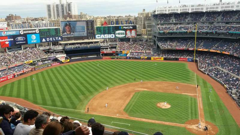 Seating view for Yankee Stadium Section 423 Row 6 Seat 1