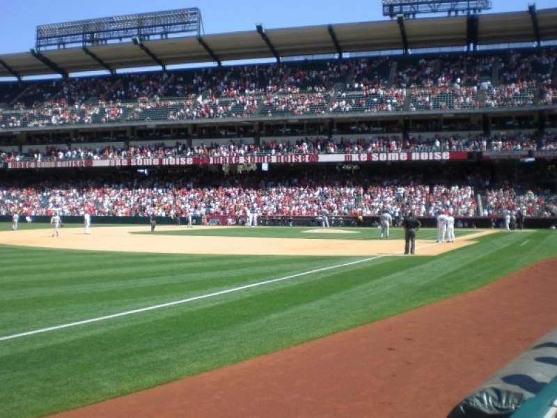 Seating view for Angel Stadium Section F107 Row A Seat 17