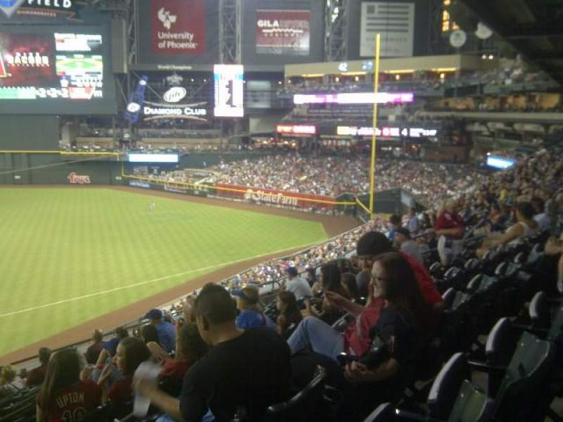 Seating view for Chase Field Section 208 Row 11 Seat 18