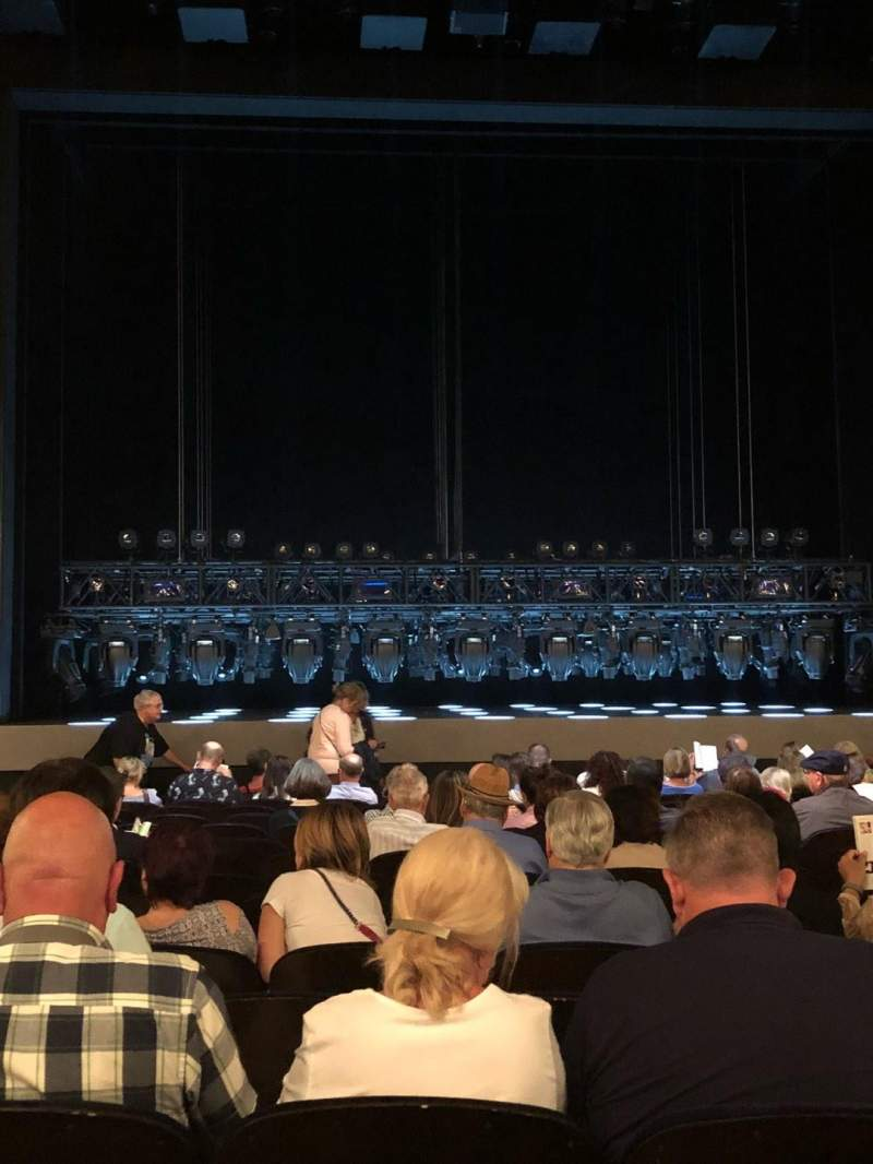 Lunt-Fontanne Theatre, section: Orch, row: Q, seat: 104
