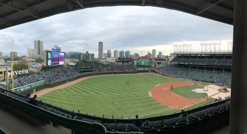 Seating view for Wrigley Field Section 407L Row 1 Seat 20