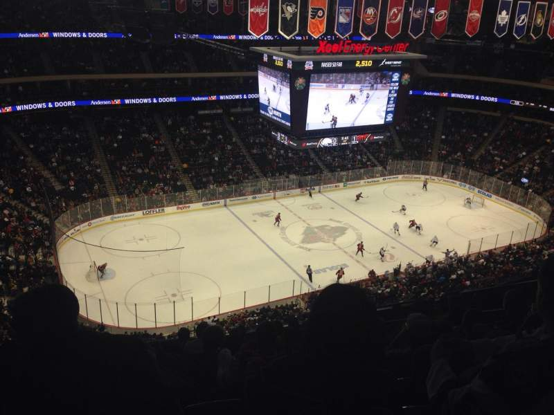 Xcel Energy Center, section: 221, row: Top Bar Stool , seat: 9