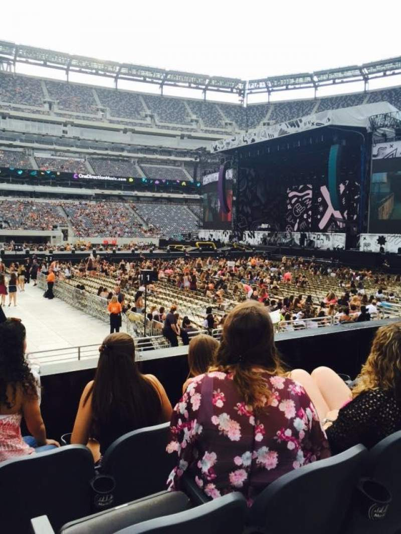 Seating view for Metlife Stadium Section 113 Row 4 Seat 21
