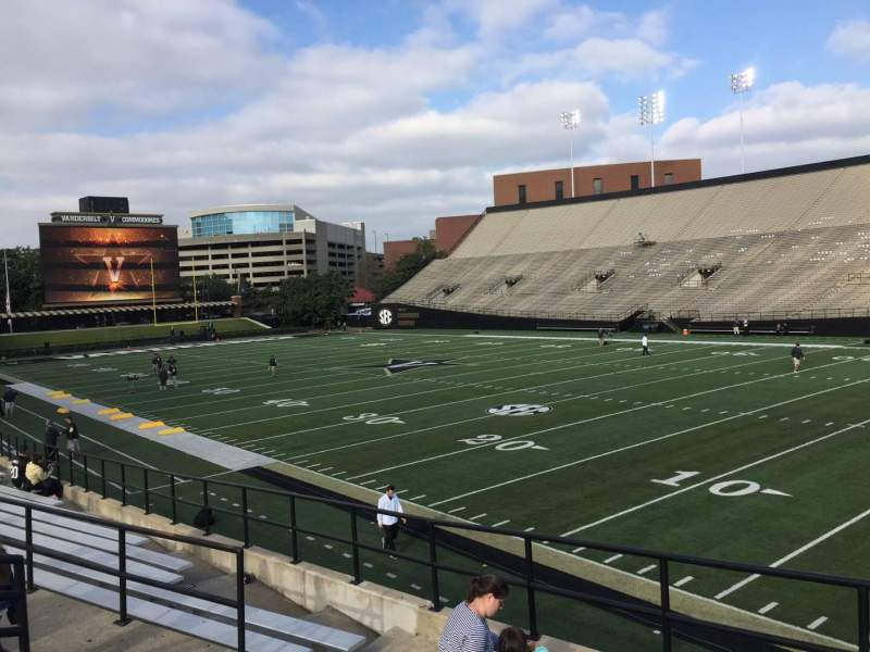 Seating view for Vanderbilt Stadium Section H Row 4 Seat 19