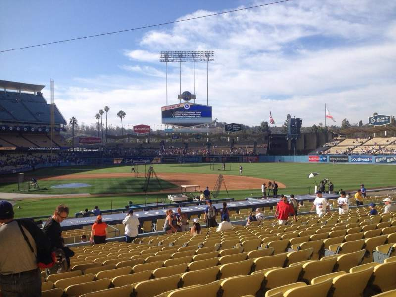 Seating view for Dodger Stadium Section 16fd Row S Seat 1