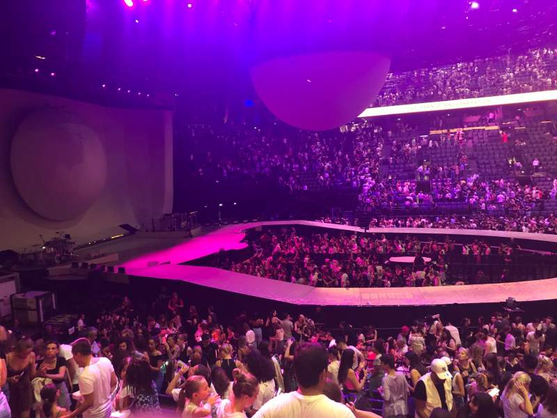 Seating view for AccorHotels Arena Section Gradin O Row 14 Seat 01