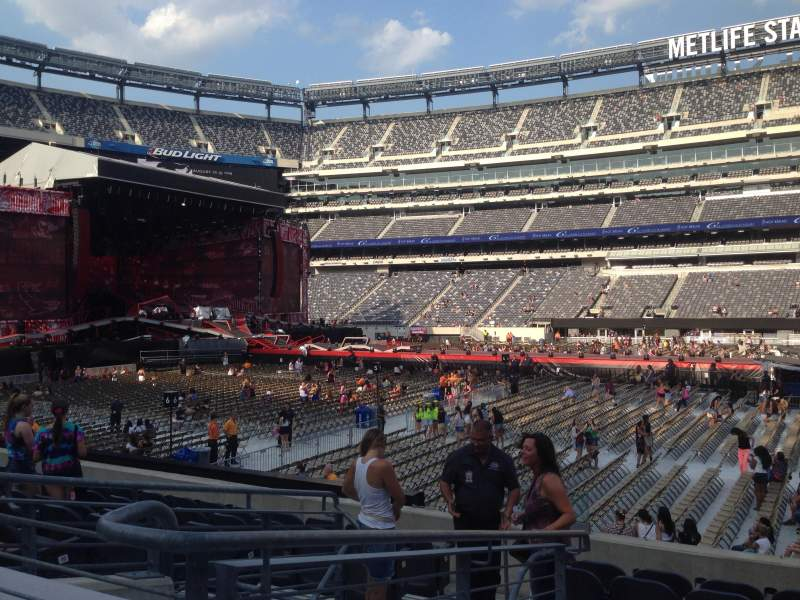 Seating view for MetLife Stadium Section 137 Row 14 Seat 22