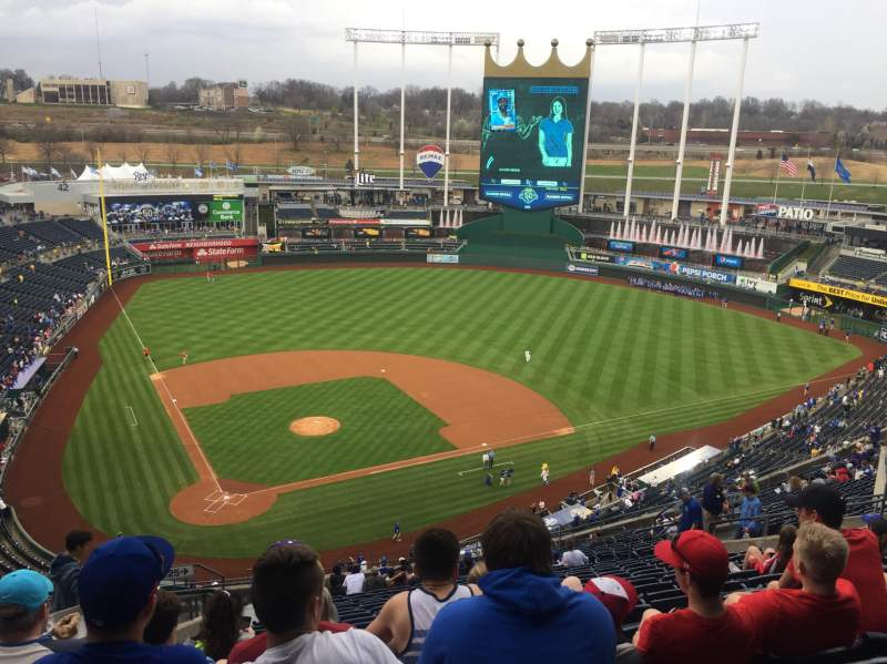 Kauffman Stadium, section: 425, row: JJ, seat: 5