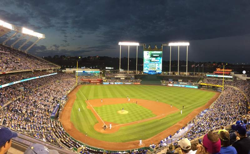 Seating view for Kauffman Stadium Section 423 Row 6 Seat 6