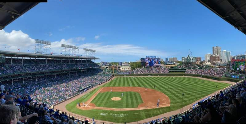 Seating view for Wrigley Field Section 323R Row 10 Seat 22