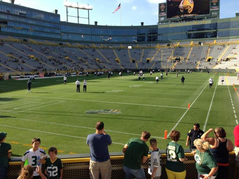 Seating view for Lambeau Field Section 133 Row 8 Seat 9