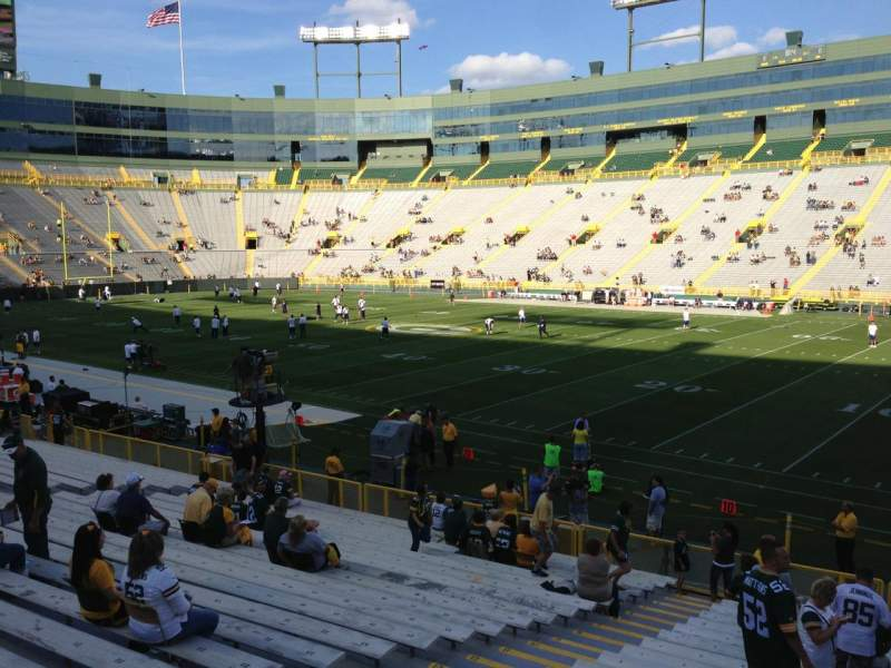 Seating view for Lambeau Field Section 130 Row 31 Seat 15