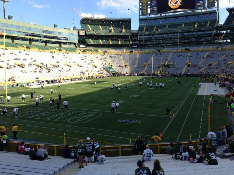 Seating view for Lambeau Field Section 106 Row 21 Seat 17