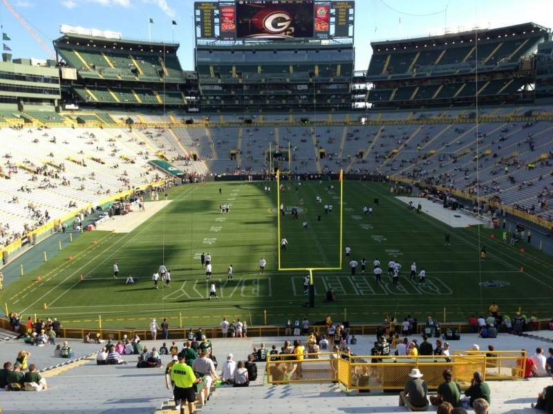 Seating view for Lambeau Field Section 100 Row 50 Seat 22