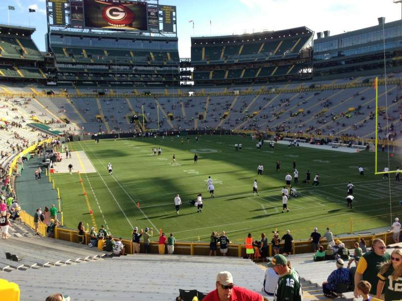 Seating view for Lambeau Field Section 105 Row 30 Seat 16