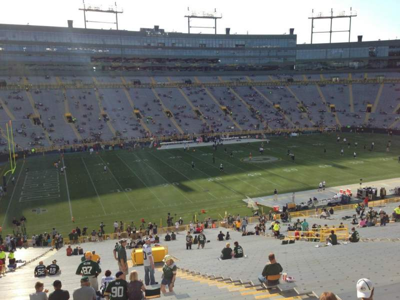 Seating view for Lambeau Field Section 427 Row 1 Seat 6