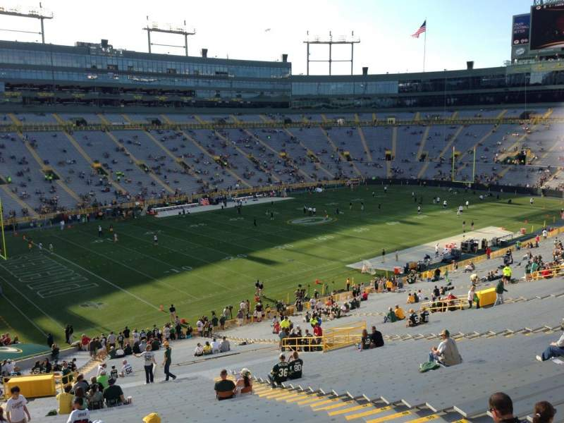 Seating view for Lambeau Field Section 431 Row 4 Seat 6